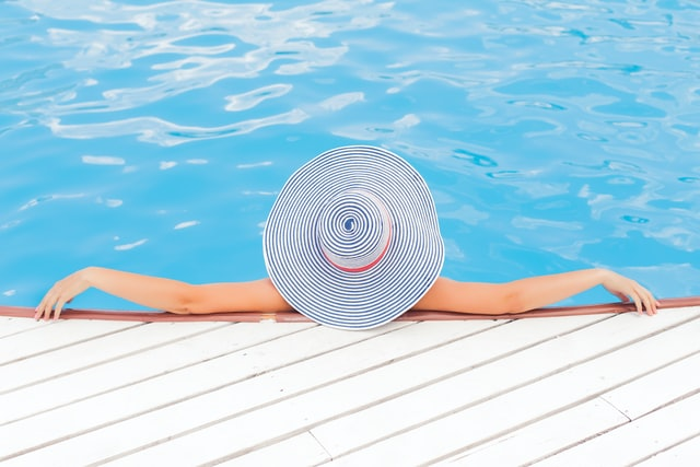 Swimming in chlorinated water can cause Candida overgrowth